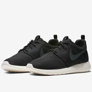 Nike Roshe One Men's Shoes Multi Sz
